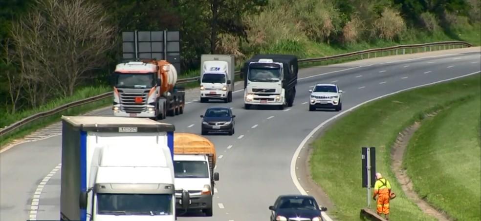 Rodovia Castello Branco recebe mais de 260 mil veículos por dia  — Foto: Reprodução/TV TEM