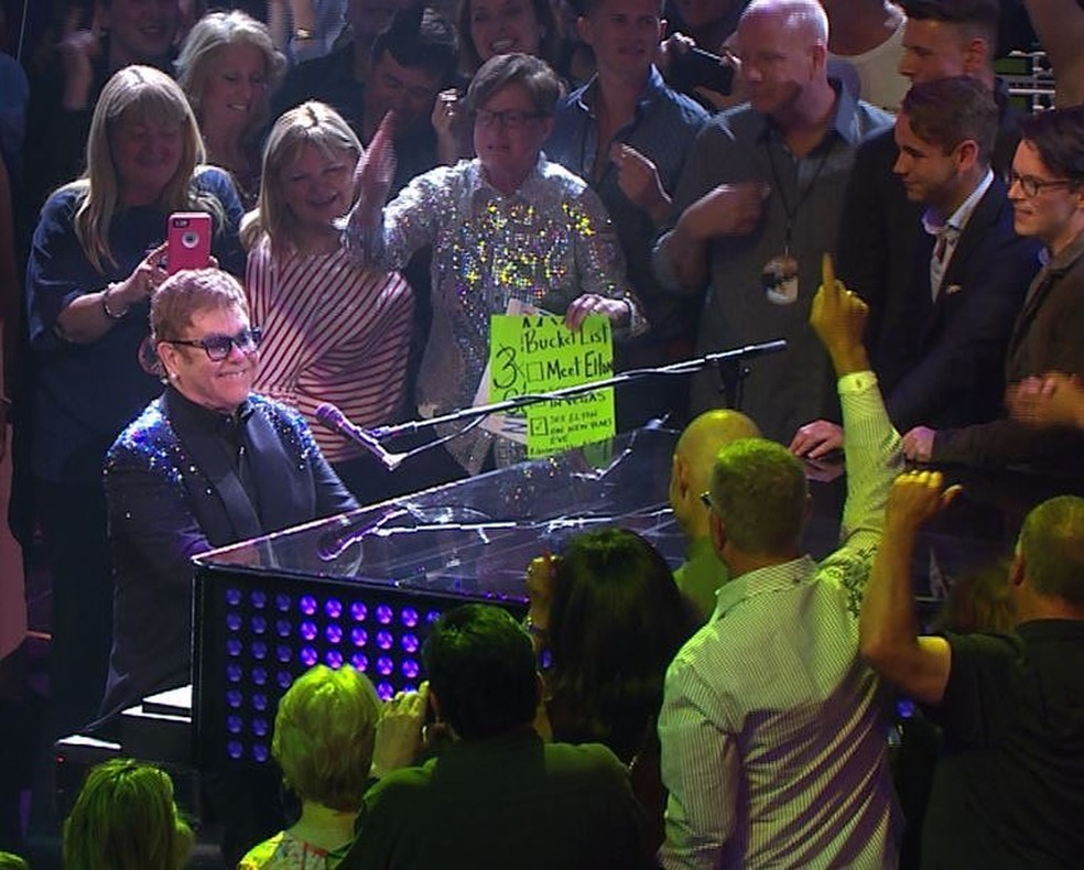 Elton John faz show em Vegas, mas deixa o palco após fã atrapalhar apresentação (Foto: Reprodução/Instagram)