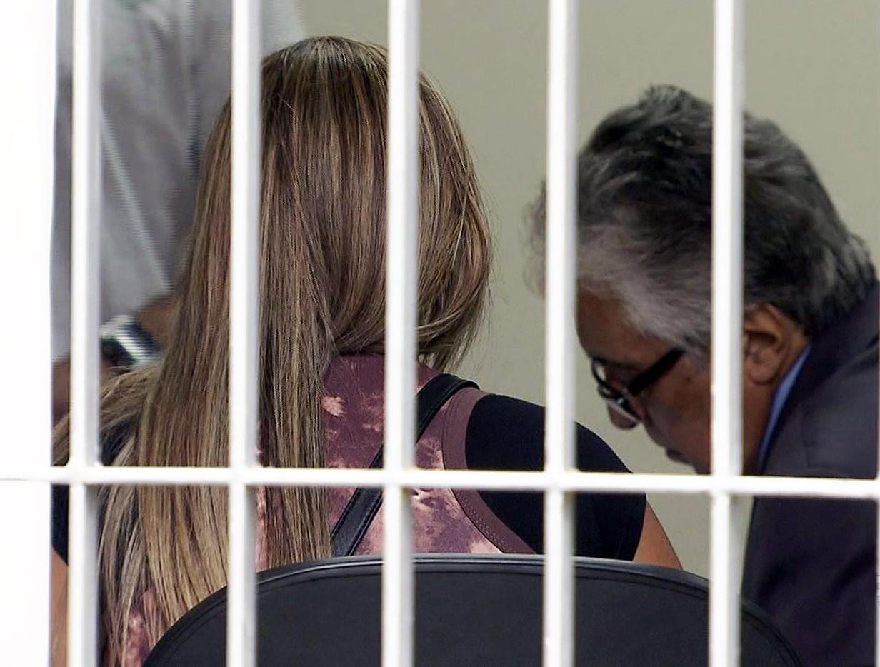 Adolescentes Porno Ucrania http://g1.globo/jornal-nacional/noticia/2014/10/policia