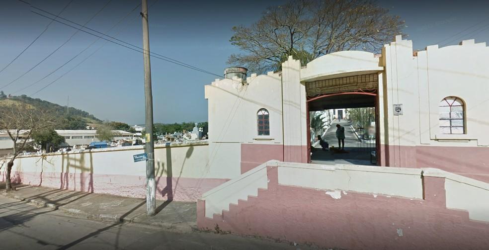 Menino de 5 anos foi enterrado no Cemitério da Paz em São Roque — Foto: Reprodução/Google Street View