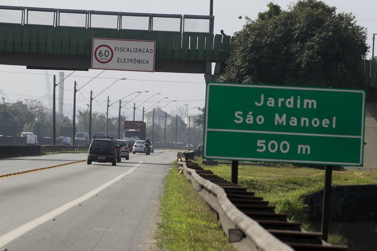 Moradores do São Manoel, em Santos, se sentem 'isolados' após mudança de sentido da Via Anchieta
