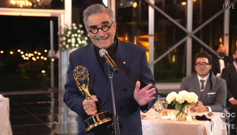 Eugene Levy agradece pelo Emmy por 'Schitt's Creek' — Foto: The Television Academy e ABC Entertainment/AP
