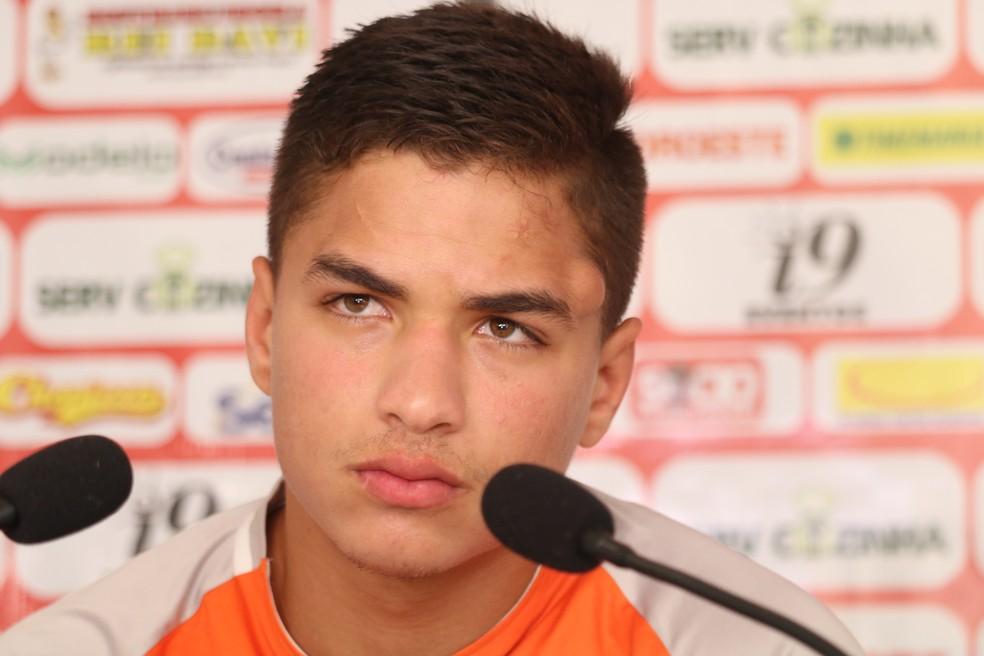 Erinaldo passou pelo River-PI no primeiro semestre — Foto: Stephanie Pacheco/Globoesporte.com