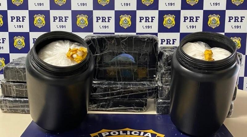 Mais de 10 kg de cocaína são apreendidos em táxi na Bahia