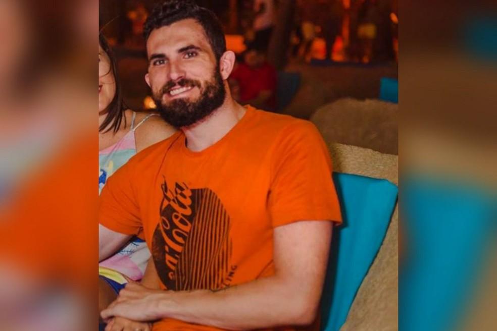 Alexandre Fernandes e o carro que dirigia desapareceram na noite desta segunda-feira (10), na Grande Fortaleza. — Foto: Arquivo pessoal