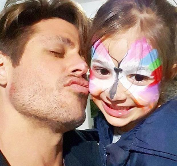 Dado Dolabella e a filha, Flor (Foto: Reprodução/Instagram)