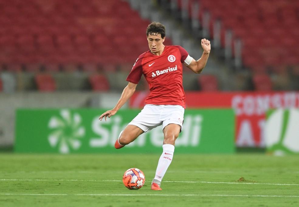 Rodrigo Dourado estará em campo nesta quarta-feira — Foto: Ricardo Duarte/Inter