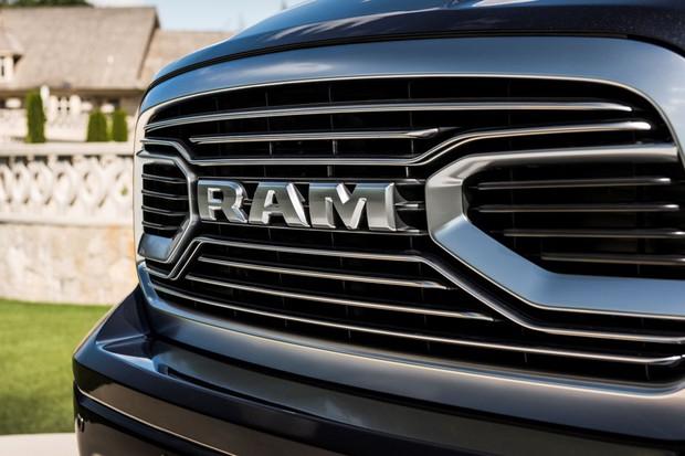 RAM 2500 Laramie 2018 (Foto: divulgação)