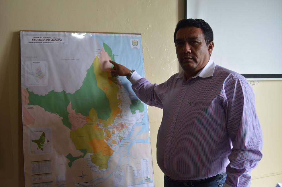 Secretário de estado do Meio Ambiente, Bernardino Santos (Foto: Rita Torrinha/G1)
