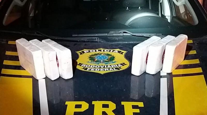 Suspeito de tráfico de drogas e receptação é preso após ser flagrado com 6 kg de cocaína escondida em carro clonado na BA