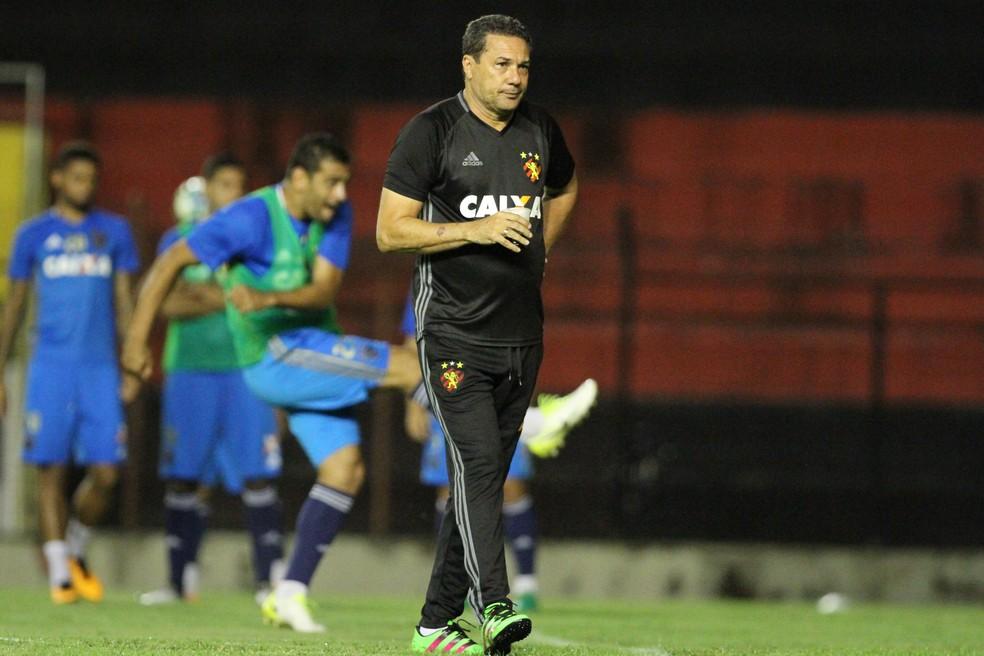 Vanderlei Luxemburgo relacionou Juninho para jogo do Sport contra Vitória, na quinta (Foto: Marlon Costa/ Pernambuco Press)
