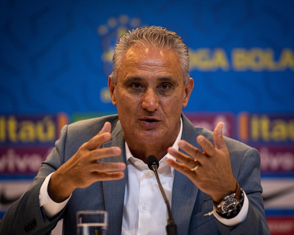 Tite na entrevista coletiva de convocação da seleção brasileira — Foto: Felipe Moreno/MowaPress