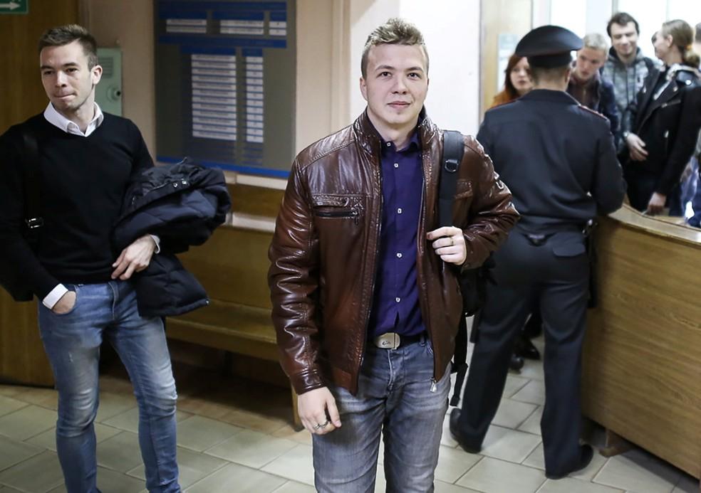 O jornalista Roman Protasevich, que foi preso em voo desviado para Belarus, em foto de abril de 2017 — Foto: Reuters