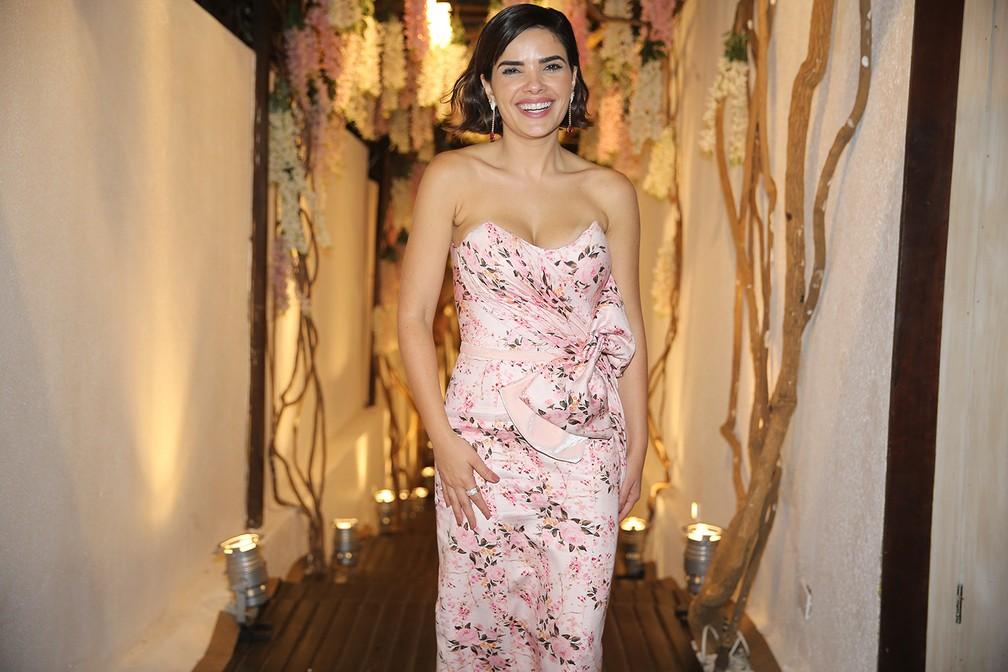A atriz Vanessa Giácomo foi madrinha do casal (Foto: Manuela Scarpa e Iwi Onodera/Brazil News)