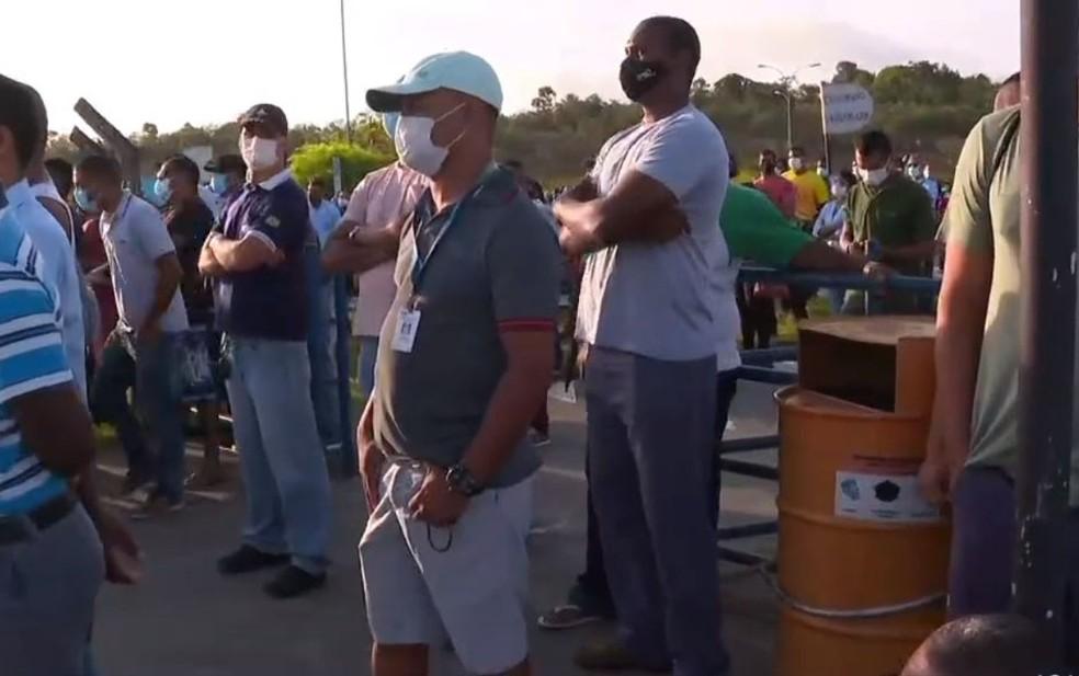 Metalúrgicos voltam a se reunir após MPT definir que Ford só pode demitir após negociação coletiva — Foto: Reprodução/TV Bahia