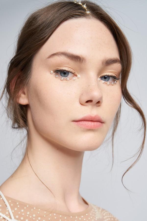 Ομορφιά που δημιουργήθηκε από τον Peter Phillips, Dior Creative και Beauty Imaging Director (Φωτογραφία: Ekovos Kalaitzakis for Christian Dior Perfums)