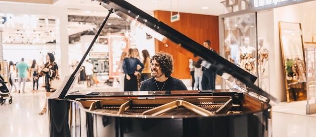 O pianista Glaucio Cristelo: live em homenagem às mães