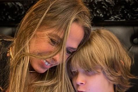 Adriane Galisteu com o filho, Vittorio (Foto: Reprodução)