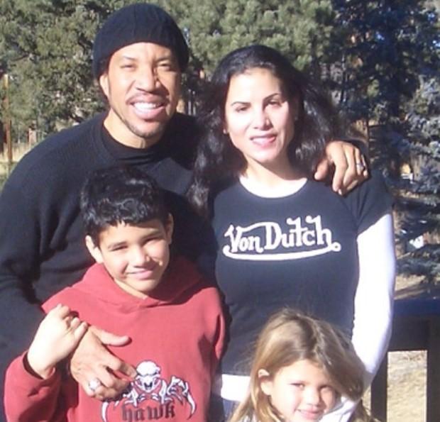 Miles Richie com os pais, Lionel Richie e Diane Alexander, e a irmã Sofia Richie (Foto: Reprodução/Instagram)