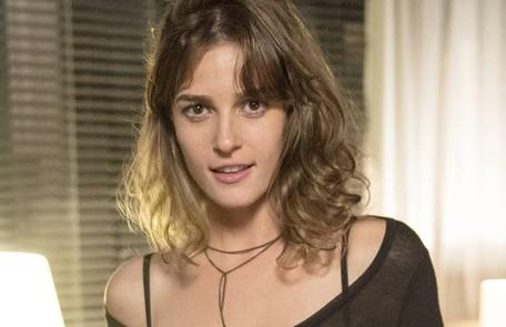 Na segunda-feira (7), Sofia (Prsicila Steinman) chega ao restaurante para jantar com Eliza, que não desconfia que a irmã está armando com Jacaré (Sérgio Malheiros) um plano para atentar contra sua vida TV Globo