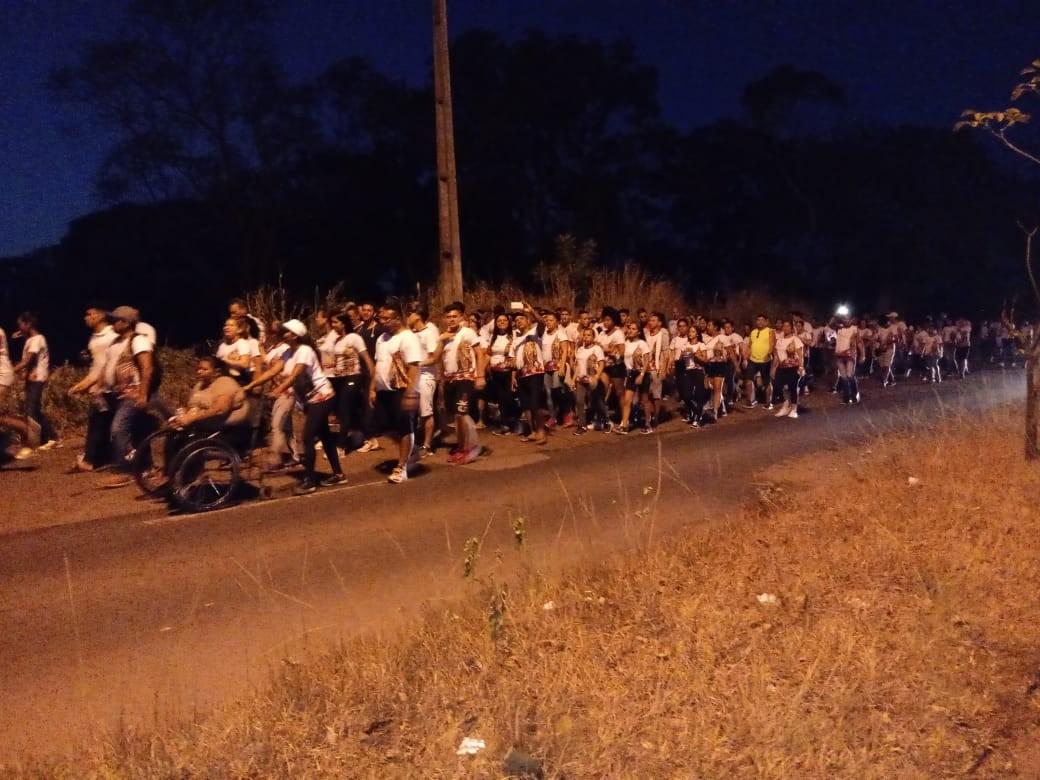 Romeiros andam 16 quilômetros para participarem do Círio de Nazaré no AP pelo 4ª ano seguido - Notícias - Plantão Diário