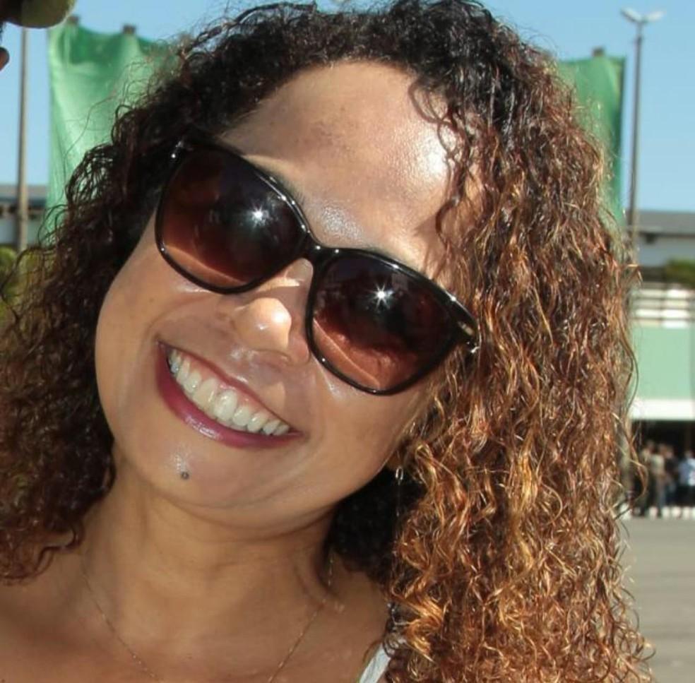 Marley de Barcelos Dias, de 54 anos, foi morta a tiros no DF — Foto: Arquivo pessoal