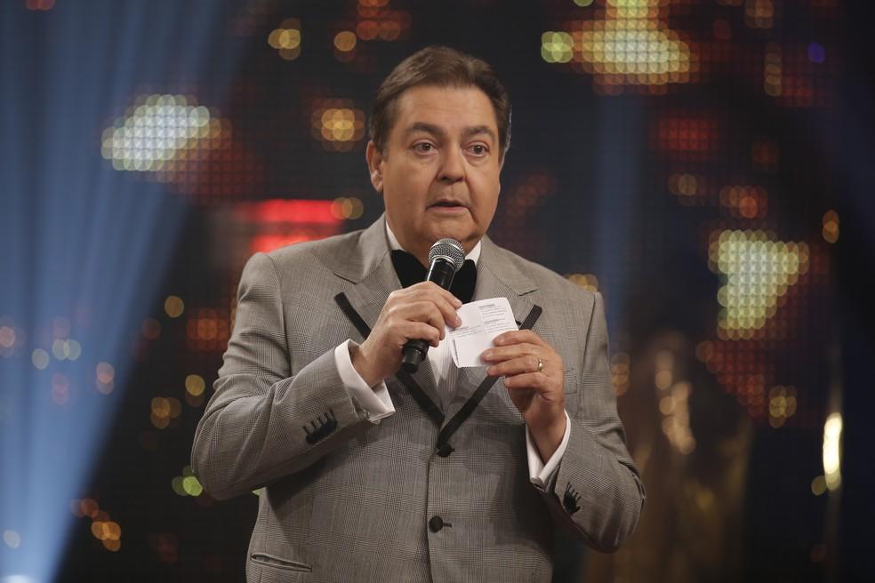 Fausto Silva durante a apresentação do 'Troféu Domingão - Melhores do Ano 2018' — Foto: Artur Meninea/Gshow