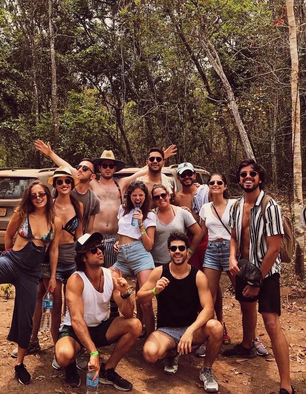 Atores de divertem na Chapada dos Veadeiros (Foto: Reprodução/Instagram)