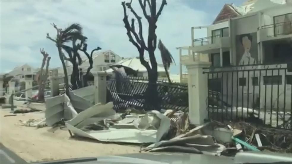 Rastro de destruição em San Martin (Foto: Reprodução)
