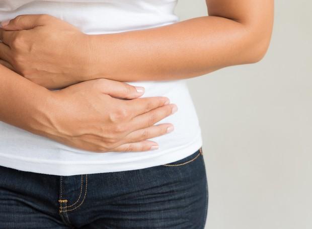 A queimação no estômago é um dos sintomas da gastrite (Foto: Thinkstock)