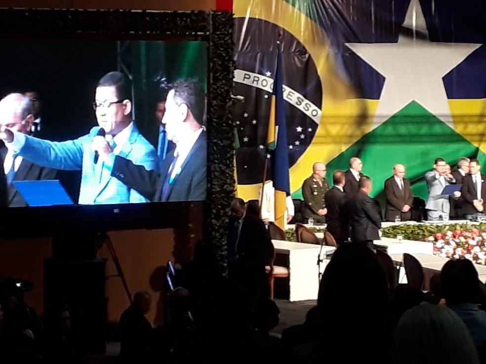 Coronel Marcos Rocha é empossado.  — Foto: Pedro Bentes/G1