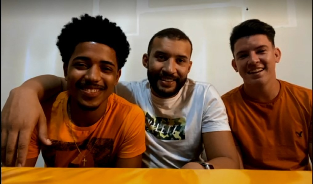 Criadores do hit dancinha do brega curtem sucesso na internet e prometem novas coreografias