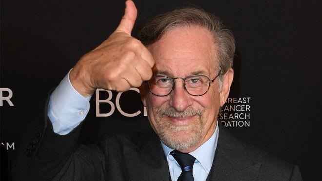 O diretor Steven Spielberg declarou em fevereiro que as produções da plataforma deveriam competir no Emmy, dedicado à televisão, e não no Oscar (Foto: Getty Images via BBC News)