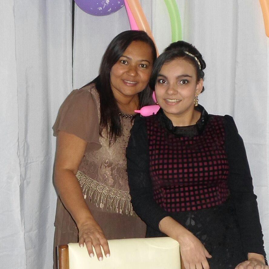 Mara Viana com a filha, Aracy (Foto: Arquivo pessoal)