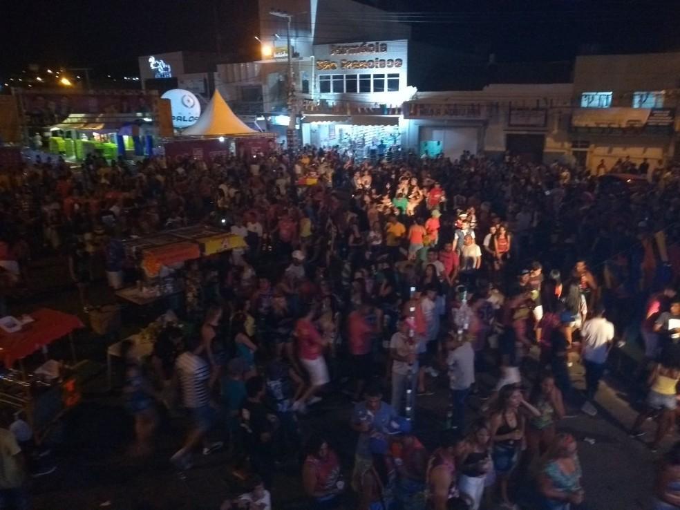 FoliA�es no polo Bomba no carnaval de Salgueiro (Foto: Ivo Ferraz/ TV Grande Rio )