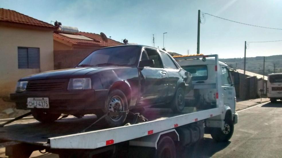 Carro da quadrilha apreendido nesta segunda-feira (Foto: Polícia Civil/Divulgação)