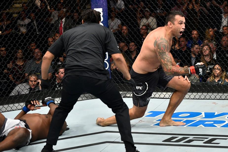 UFC 216: Werdum finaliza Harris em 65s e pede nova chance pelo cinturão