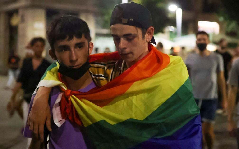 Protesto após a morte de Samuel Luiz Muñiz, em Barcelona, na Espanha, na segunda-feira (5) — Foto: Reuters/Nacho Doce