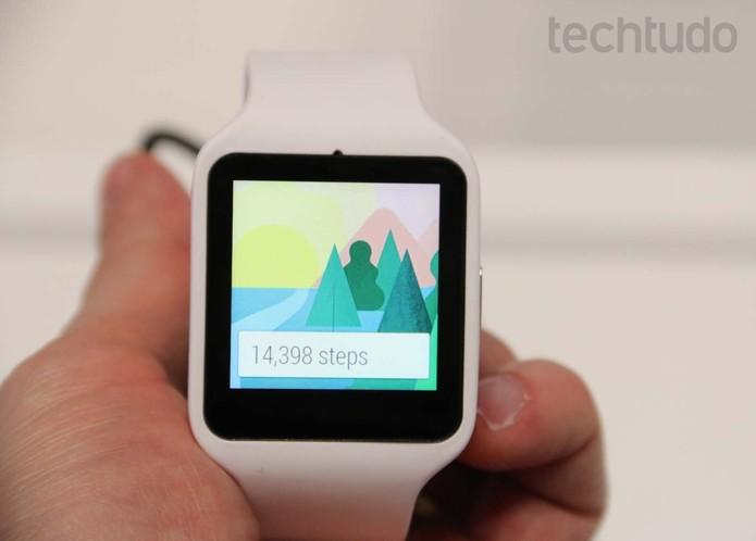 SmartWatch 3 da Sony vem com Android e GPS, mas peca no design (Foto: Fabricio Vitorino/ TechTudo)