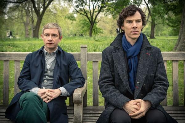 Benedict Cumberbatch e Martin Freeman em cena da série Sherlock (Foto: Reprodução)
