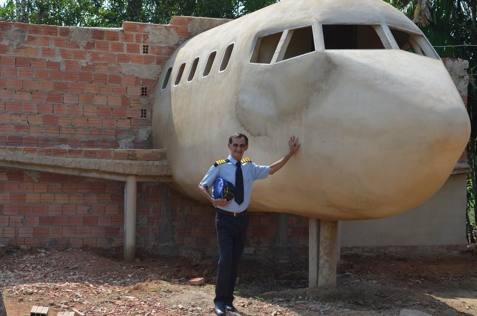 Casa-avião em 2017 não tinha asas, turninas e nem trem de pouso, em Porto Velho — Foto: Jheniffer Núbia / G1