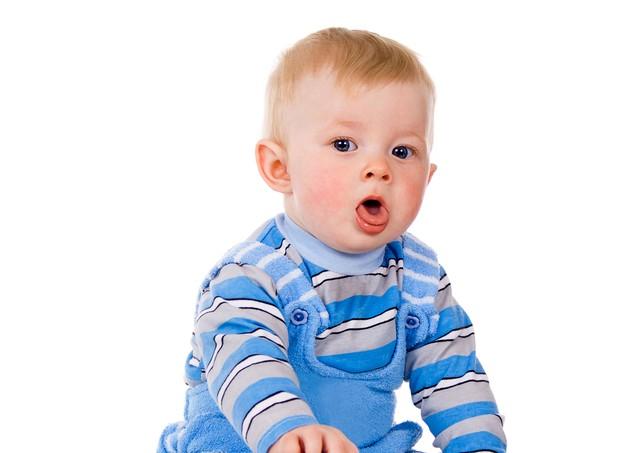 Tosse_criança doente (Foto: Shutterstock)