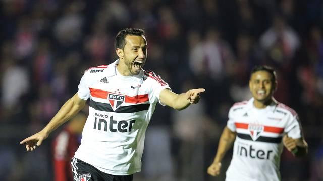 Nenê comemora o gol do São Paulo