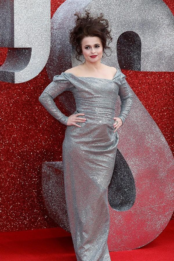 Helena Bonham Carter de Vivienne Westwood na pré-estreia de Oito Mulheres e Um Segredo (Foto: Getty Images)