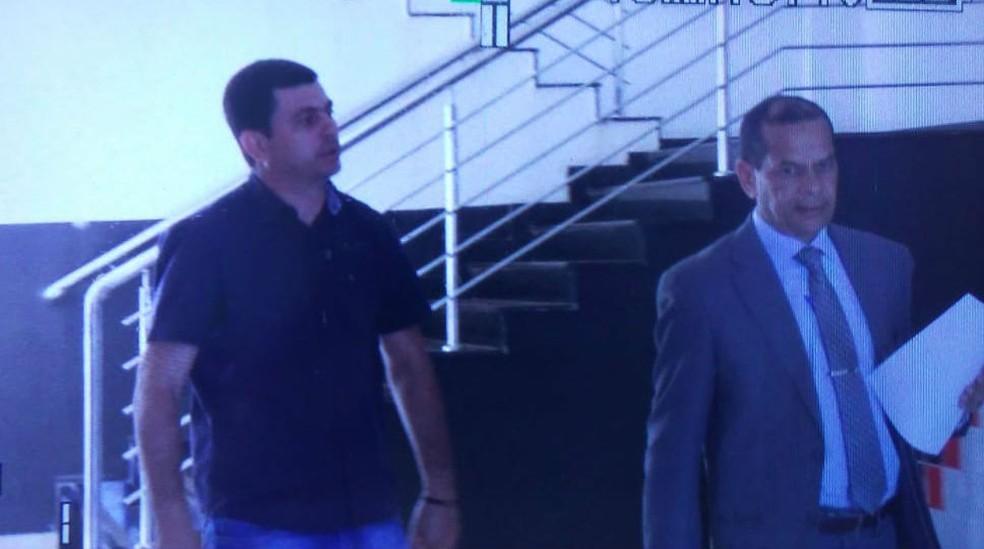 Tony Andrade (esq.) é vereador em Porto Nacional — Foto: TV Anhanguera