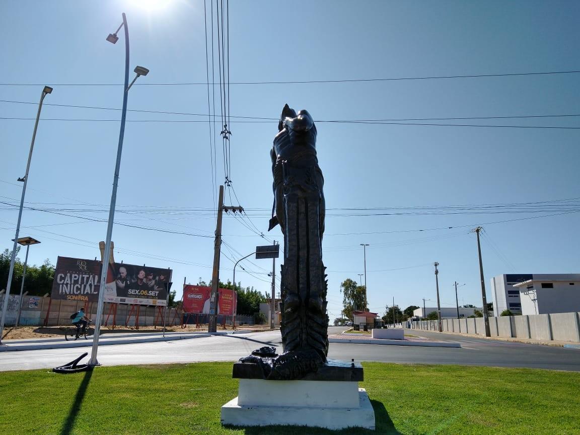 Restaurado, monumento Apóstolo São João Batista do Apocalipse volta para a Avenida Cardoso de Sá, em Petrolina - Notícias - Plantão Diário