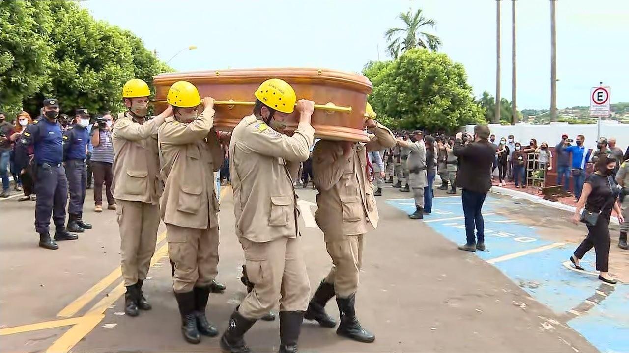 Corpo de Maguito Vilela é enterrado em Jataí