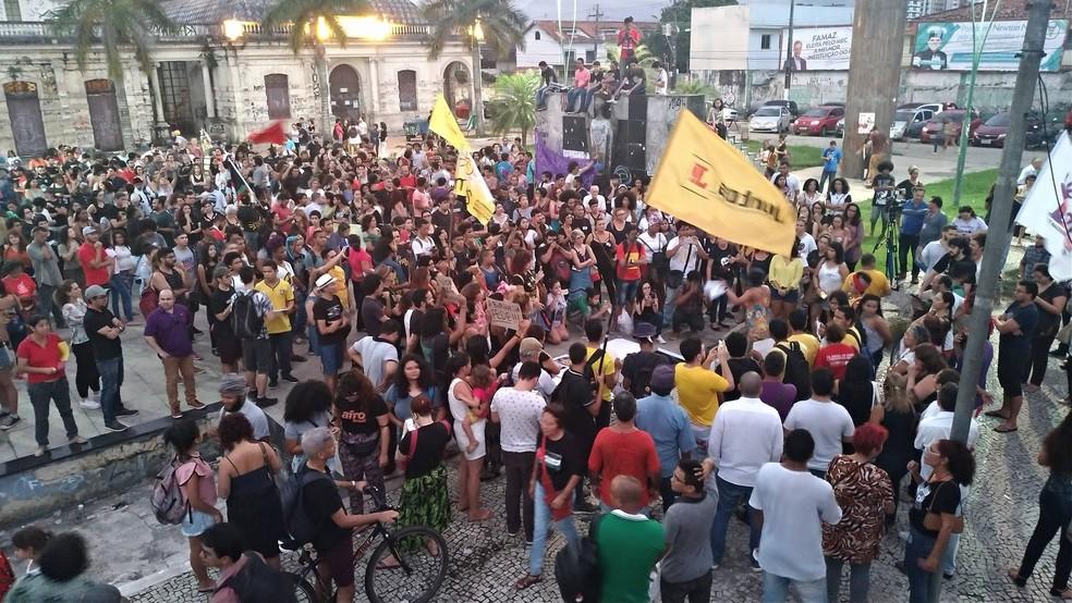 Cerca de 1500 pessoas participam do ato no Mercado de São Brás (Foto: Pedro Cruz/G1 PA)