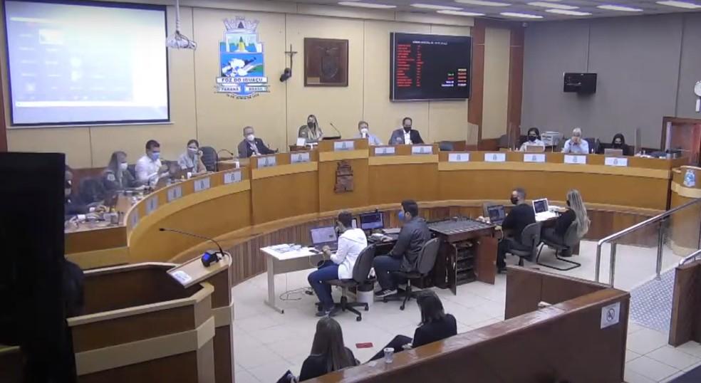 Audiência discutiu o novo modelo de concessão, nesta quinta-feira (20), em Foz do Iguaçu — Foto: Câmara de Foz do Iguaçu/Reprodução