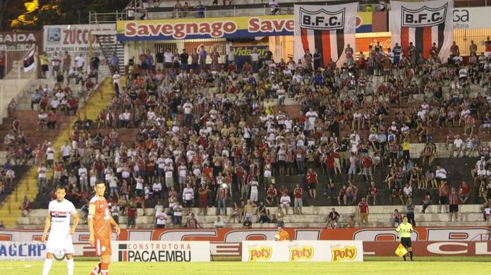 e144330b85 Botafogo-SP promove campanha do agasalho com troca de ingresso para sócio